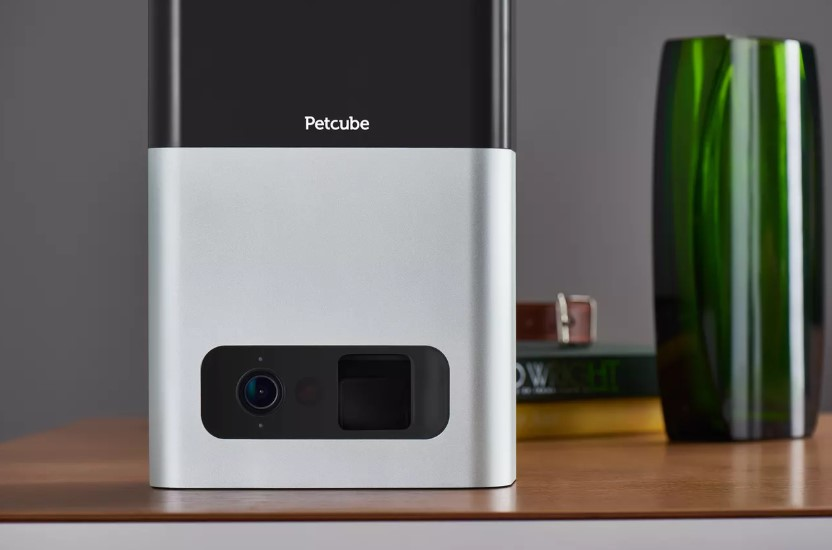 Review of Petcube Bites Pet Camera with Treat Dispenser HD 1080p Video Monitor, 2-Way Audio, Night Vision, Sound and Motion Alerts
